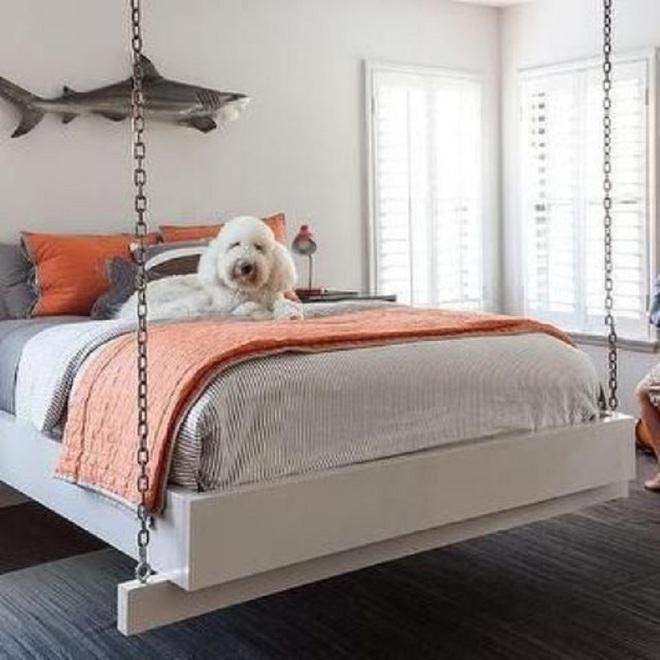 Mê mẩn 8 mẫu giường ngủ treo lơ lửng rất độc đáo và ấn tượng - Ảnh 2.