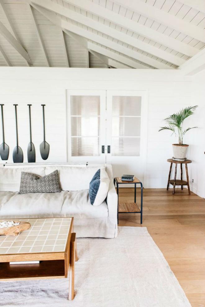 Cặp vợ chồng biến ngôi nhà cổ từ năm 1940 thành không gian nghỉ dưỡng đẹp đến khó tin - Ảnh 4.