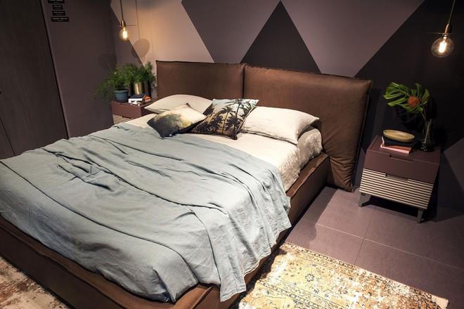 3 cách bố trí nội thất cực hay cho phòng ngủ chật - Ảnh 2.