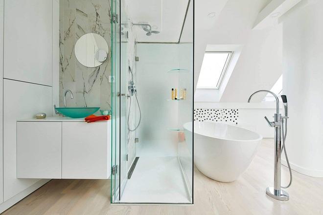 Ngôi nhà trắng tinh với điểm nhấn là các màu đơn sắc nổi bật, tưởng không xinh mà hóa ra lại xinh không tưởng - Ảnh 19.