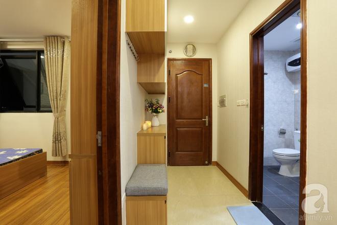Căn hộ 100m² có những khoảng nhỏ thoáng mát của chủ nhà yêu màu vàng ở Hà Nội - Ảnh 1.