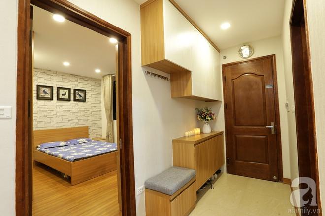 Căn hộ 100m² có những khoảng nhỏ thoáng mát của chủ nhà yêu màu vàng ở Hà Nội - Ảnh 2.