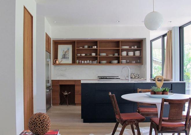 19 ví dụ minh chứng rằng một căn bếp hoàn hảo không thể nào thiếu được những chiếc kệ mở - Ảnh 3.