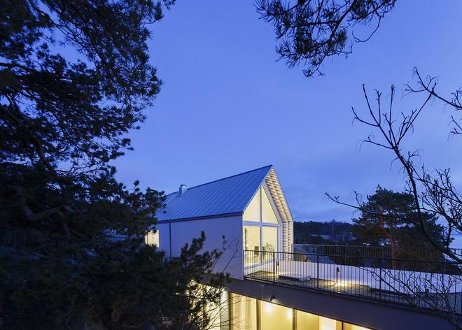Ngôi nhà đẹp như tranh vẽ nằm sát bờ biển khiến bao người mơ ước - Ảnh 9.