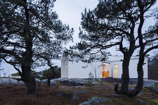 Ngôi nhà đẹp như tranh vẽ nằm sát bờ biển khiến bao người mơ ước - Ảnh 10.