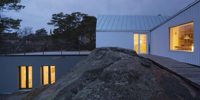 Ngôi nhà đẹp như tranh vẽ nằm sát bờ biển khiến bao người mơ ước - Ảnh 11.