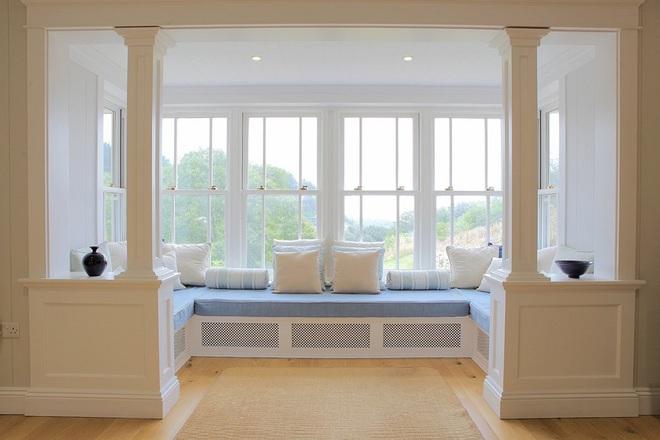 Ý tưởng thiết kế ghế bên cửa sổ: Tối giản nhưng tiện ích lớn - Ảnh 4.