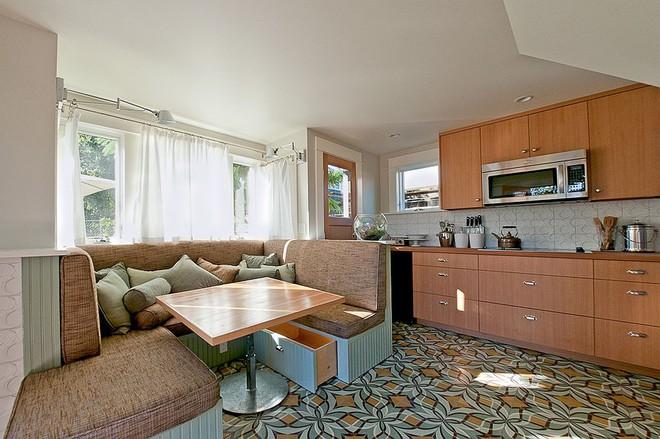 Chỉ cần sắp xếp ghế banquette theo cách này là sẽ có không gian sống tiết kiệm diện tích - Ảnh 11.