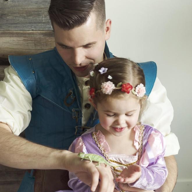 Cô bé 4 tuổi gây sốt với những màn trình diễn nhạc Disney thu hút hàng triệu lượt xem - Ảnh 7.