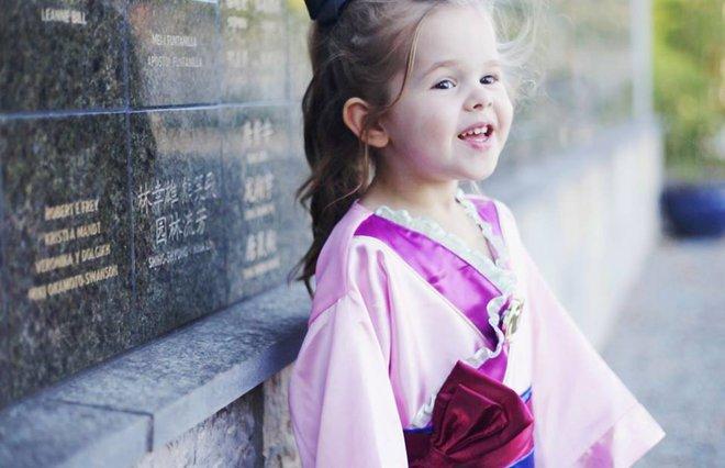 Cô bé 4 tuổi gây sốt với những màn trình diễn nhạc Disney thu hút hàng triệu lượt xem - Ảnh 10.