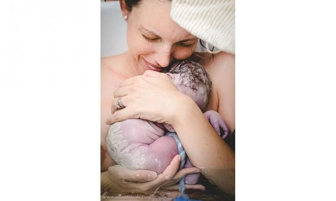 Những bức ảnh tuyệt đẹp về dây rốn - Sợi dây kết nối mẹ và con suốt 9 tháng 10 ngày - Ảnh 8.
