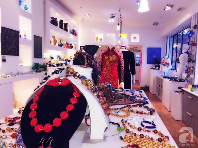 Khu vườn bạt ngàn hoa và rau quả sạch của bà chủ cửa hàng pha lê người Việt trên đất Ý - Ảnh 3.