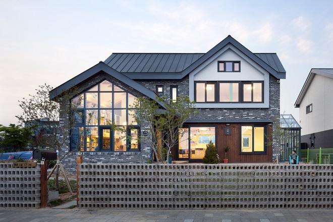 Ngôi nhà với phong cách tối giản đẹp như trong phim của gia đình 4 người ở Hàn Quốc - Ảnh 16.