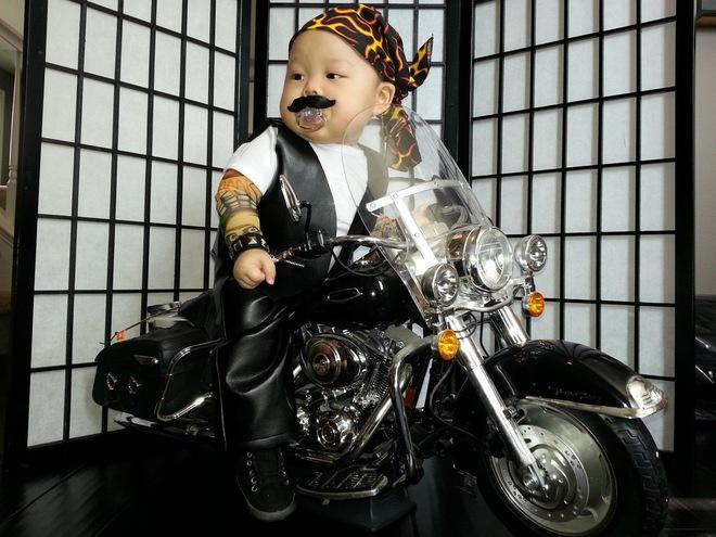 Những ông bố bà mẹ hài hước nhất thế giới, cứ hở ra là hóa trang cho con - Ảnh 8.