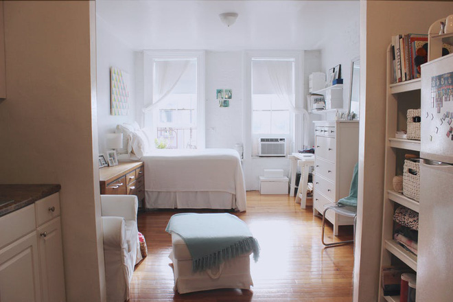 Cô gái trẻ thuê lại căn hộ nhỏ, sửa sang góc nào cũng vô cùng đẹp và ấm cúng - Ảnh 2.
