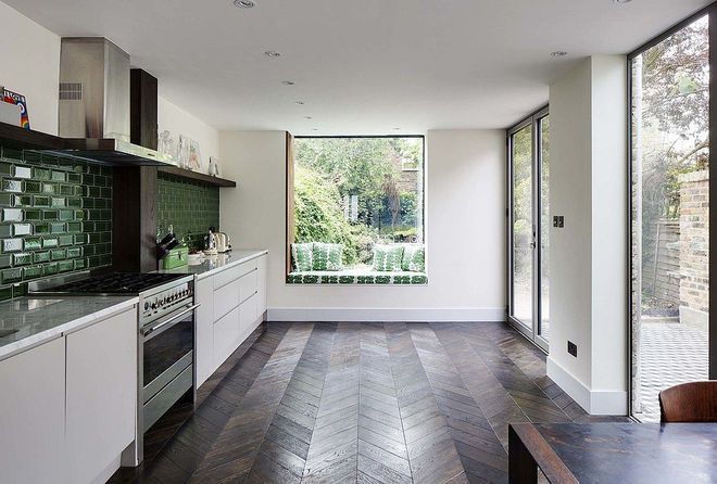 10 nhà bếp dưới đây đã trở nên phong cách hơn nhờ thiết kế ghế ngồi bên cửa sổ - Ảnh 5.