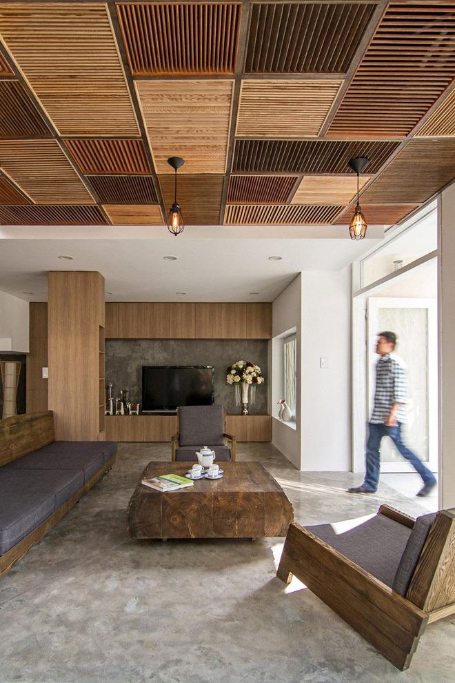 Muốn không gian sống ấm cúng nhớ đừng bỏ lỡ kiểu trần nhà bằng gỗ - Ảnh 1.