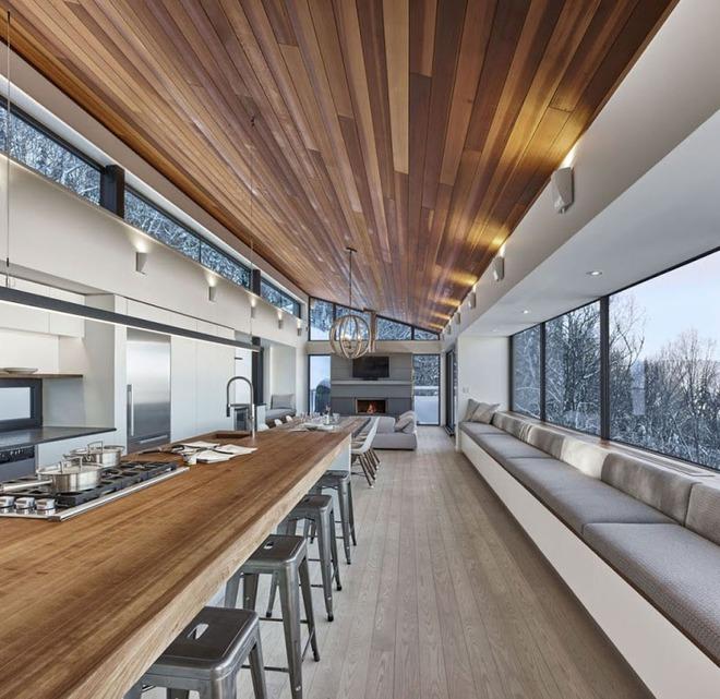 Muốn không gian sống ấm cúng nhớ đừng bỏ lỡ kiểu trần nhà bằng gỗ - Ảnh 8.