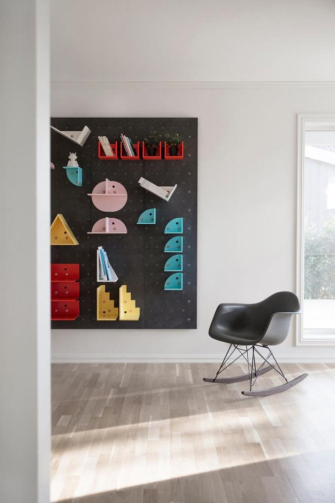 Những mẫu thiết kế kệ lưu trữ vô cùng thông minh, linh hoạt cho không gian sống hiện đại - Ảnh 15.