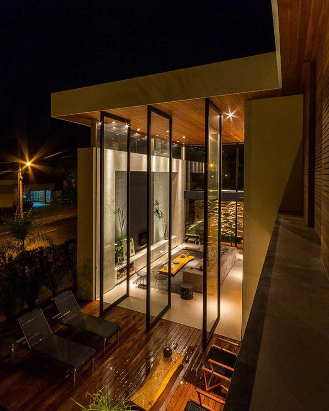 Qua rồi cái thời cửa ra vào 1 kiểu, những mẫu cửa ra vào cách tân dưới đây sẽ làm ngôi nhà của bạn sáng bừng - Ảnh 5.