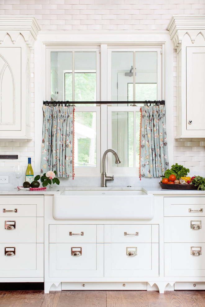 Phòng bếp điệu đà với những mẫu rèm cửa đẹp ngất ngây - Ảnh 1.