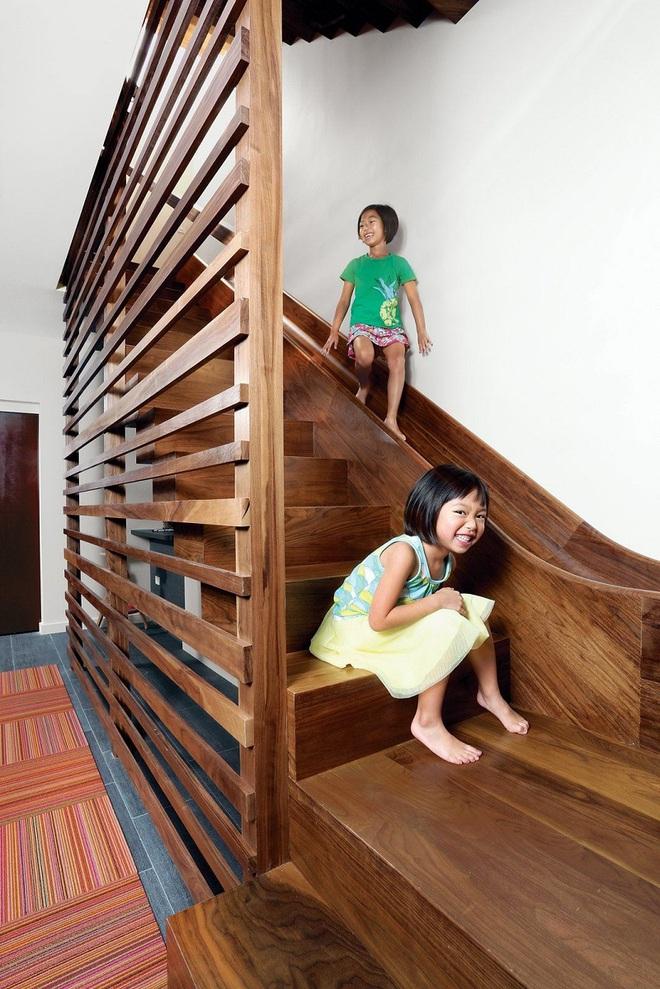 Những mẫu thiết kế sáng tạo dưới đây sẽ biến cầu thang nhà bạn thành khu vui chơi cực hay của trẻ nhỏ - ảnh 1