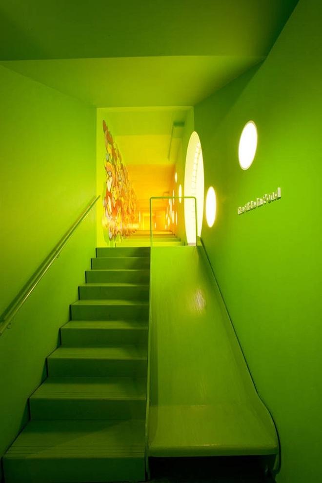 Những mẫu thiết kế sáng tạo dưới đây sẽ biến cầu thang nhà bạn thành khu vui chơi cực hay của trẻ nhỏ - ảnh 4