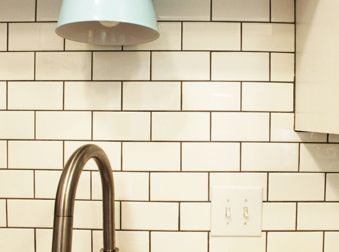 Bày mẹo nhỏ giúp bạn làm sạch tường bếp khỏi những vết bẩn và vàng ố từ dầu mỡ - Ảnh 6.