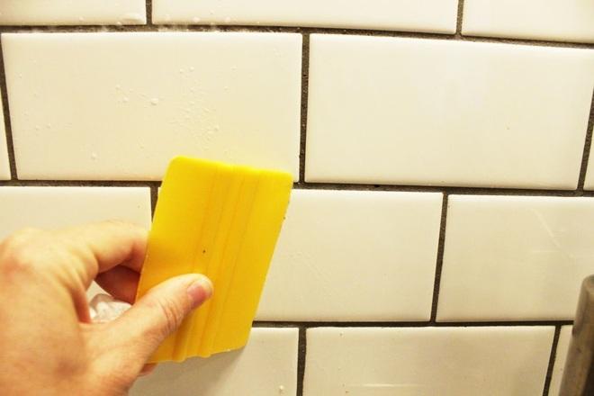 Bày mẹo nhỏ giúp bạn làm sạch tường bếp khỏi những vết bẩn và vàng ố từ dầu mỡ - Ảnh 7.