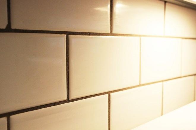 Bày mẹo nhỏ giúp bạn làm sạch tường bếp khỏi những vết bẩn và vàng ố từ dầu mỡ - Ảnh 9.
