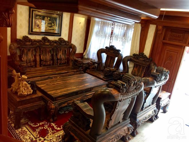 Choáng ngợp khi ngắm cận cảnh căn biệt thự toàn gỗ quý siêu sang giá 55 tỷ ở quận Tân Bình, TP.HCM - Ảnh 7.