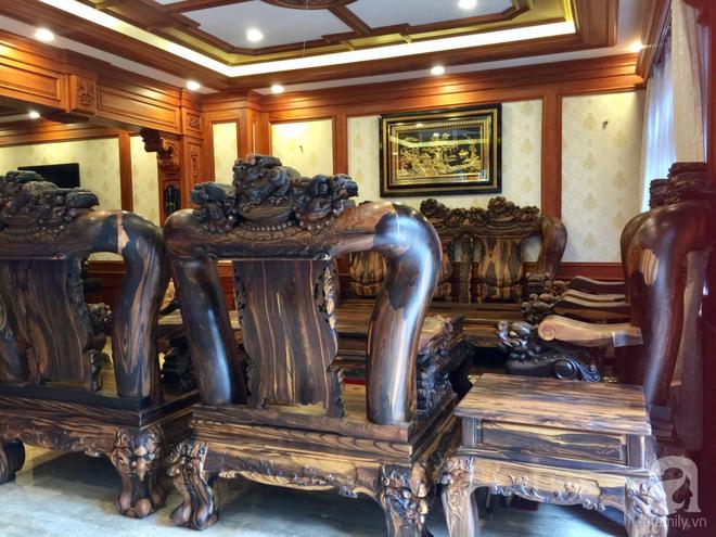 Choáng ngợp khi ngắm cận cảnh căn biệt thự toàn gỗ quý siêu sang giá 55 tỷ ở quận Tân Bình, TP.HCM - Ảnh 8.