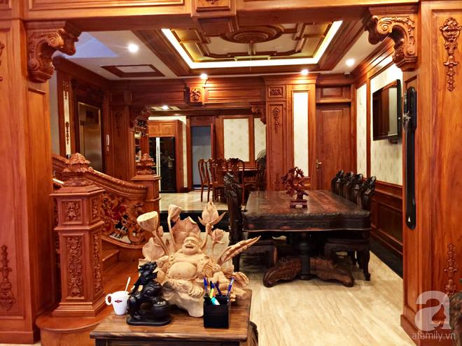 Choáng ngợp khi ngắm cận cảnh căn biệt thự toàn gỗ quý siêu sang giá 55 tỷ ở quận Tân Bình, TP.HCM - Ảnh 11.