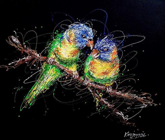 Độc đáo những bức tranh được vẽ bằng bơm kim tiêm - Ảnh 6.