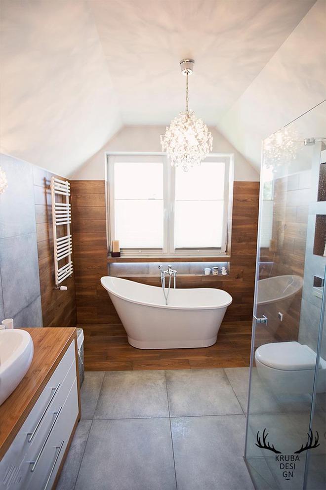 Đèn chùm – món đồ hữu dụng biến phòng tắm gia đình trông vừa đẹp vừa sang trong phút chốc - Ảnh 6.