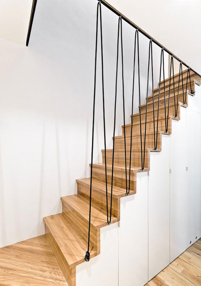 Không gian sống của gia đình thêm đẹp với mẫu cầu thang dây vô cùng độc đáo - Ảnh 4.