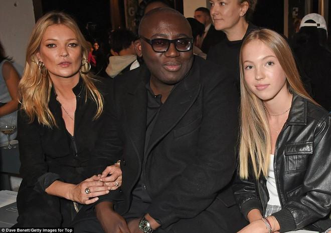 Con gái 14 tuổi của siêu mẫu Kate Moss gây chú ý với vẻ đẹp trong veo - Ảnh 3.