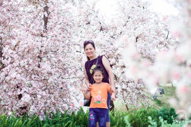 Hàng ngày tiếp xúc với bệnh nhân ung thư, nữ dược sĩ quyết trồng 100 chậu rau sạch xanh trên sân thượng cho gia đình - Ảnh 1.