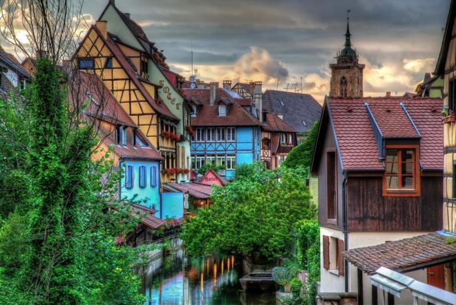 Những ngôi làng tuyệt đẹp như cổ tích ai cũng mơ ước được tới dù chỉ một lần - Ảnh 3.