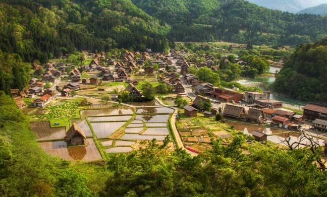 Những ngôi làng tuyệt đẹp như cổ tích ai cũng mơ ước được tới dù chỉ một lần - Ảnh 7.