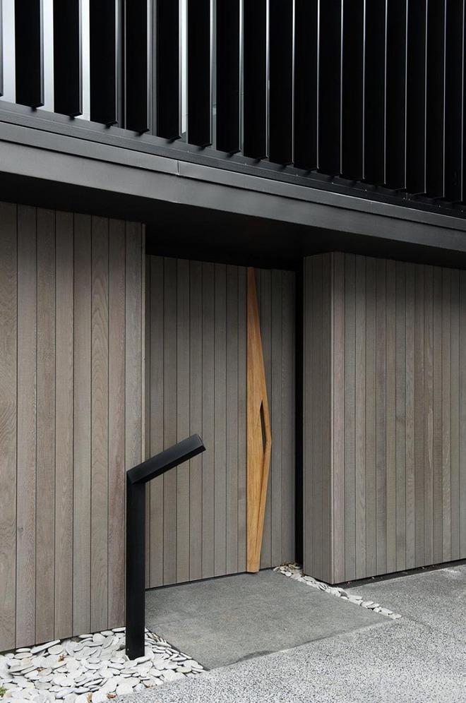 Nét thanh lịch khó chối từ của những cánh cửa gỗ - Ảnh 2.
