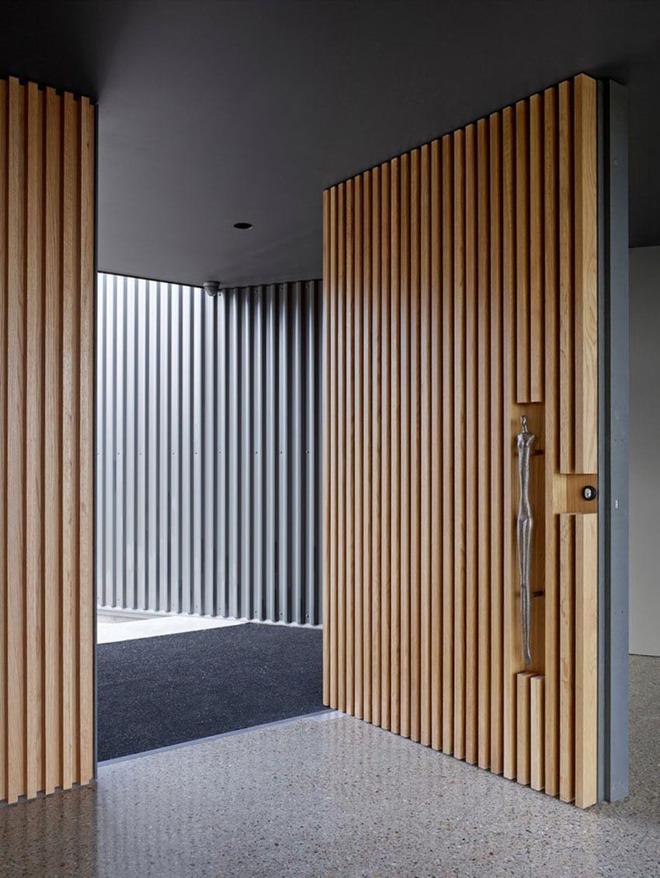 Nét thanh lịch khó chối từ của những cánh cửa gỗ - Ảnh 12.