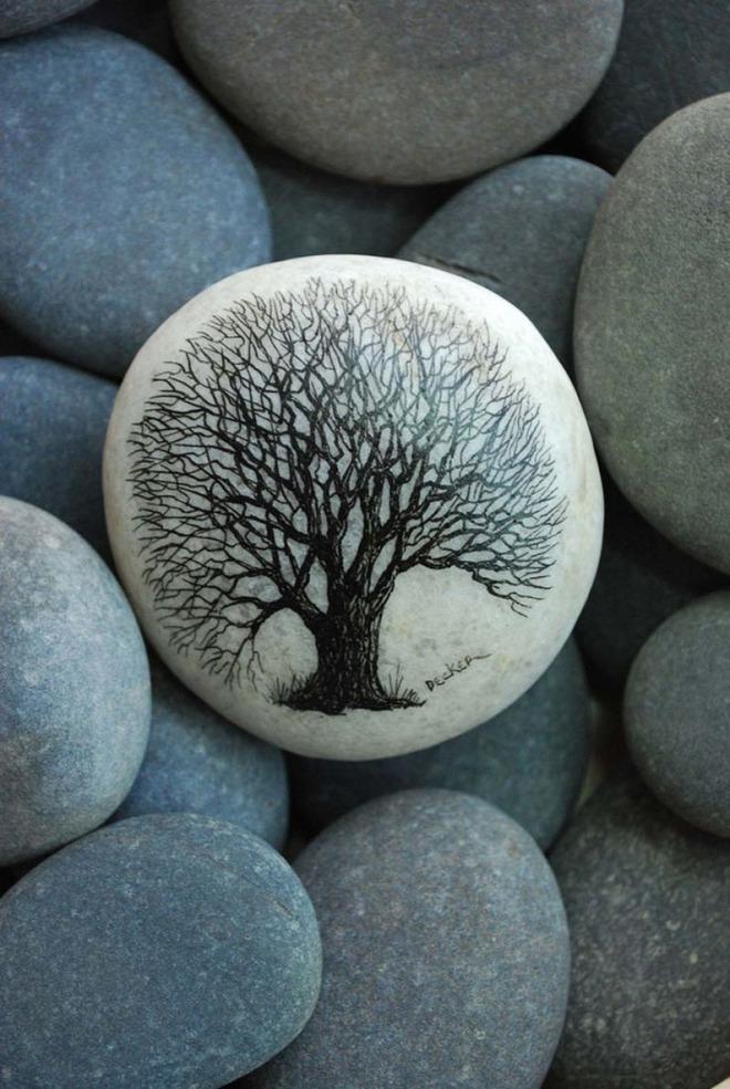 Trang trí nhà cực chất mà lại vô cùng tiết kiệm để đón Tết với những viên đá sỏi rực rỡ sắc màu - Ảnh 3.