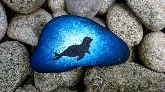 Trang trí nhà cực chất mà lại vô cùng tiết kiệm để đón Tết với những viên đá sỏi rực rỡ sắc màu - Ảnh 10.
