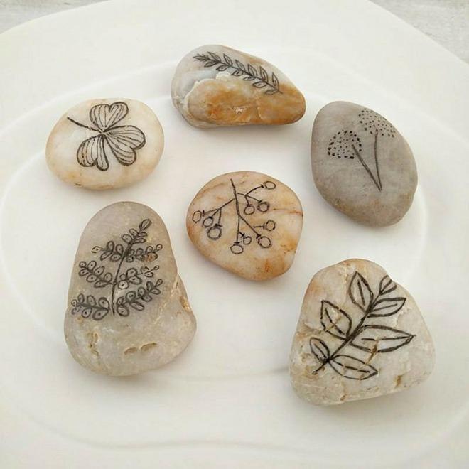 Trang trí nhà cực chất mà lại vô cùng tiết kiệm để đón Tết với những viên đá sỏi rực rỡ sắc màu - Ảnh 15.