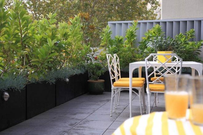 Ban công nhỏ biến thành khu vườn xanh mát đẹp hút ánh nhìn với những ý tưởng đơn giản không ngờ - Ảnh 15.