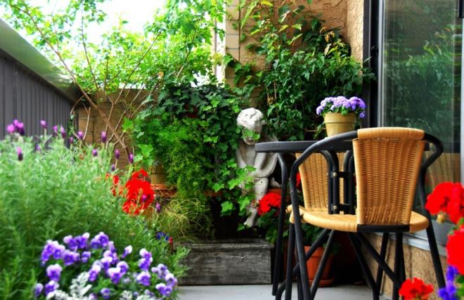 Ban công nhỏ biến thành khu vườn xanh mát đẹp hút ánh nhìn với những ý tưởng đơn giản không ngờ - Ảnh 18.