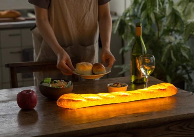 Đèn trang trí hình bánh mì: chiếc đèn độc đáo, lạ mắt cho chủ nhà cá tính - Ảnh 1.