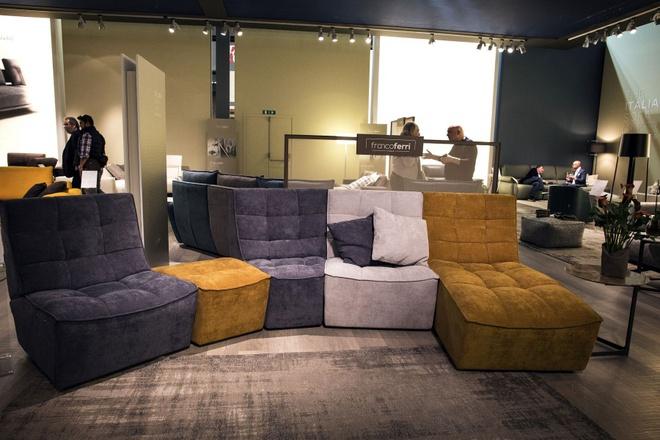Gợi ý những kiểu ghế sofa vừa đẹp vừa sáng tạo cho phòng khách hiện đại - Ảnh 2.