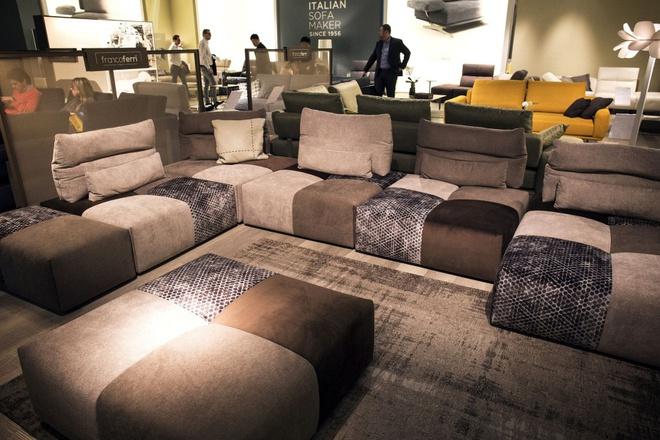 Gợi ý những kiểu ghế sofa vừa đẹp vừa sáng tạo cho phòng khách hiện đại - Ảnh 3.